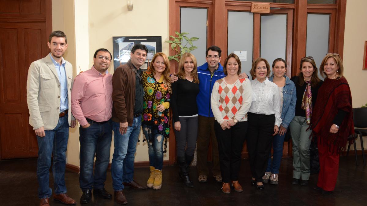 """Comisión Medio Ambiente en Terreno: sesionó en San José de Maipo para conocer """"in situ"""" microbasurales en borde río Maipo"""